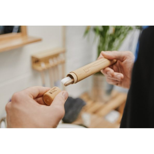 bambusovy-obal-na-zubnu-kefku